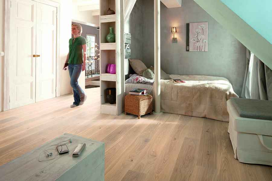 Oak Animoso White Plank Room