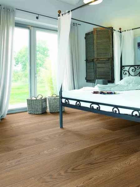 Oak Barrel Plank Room